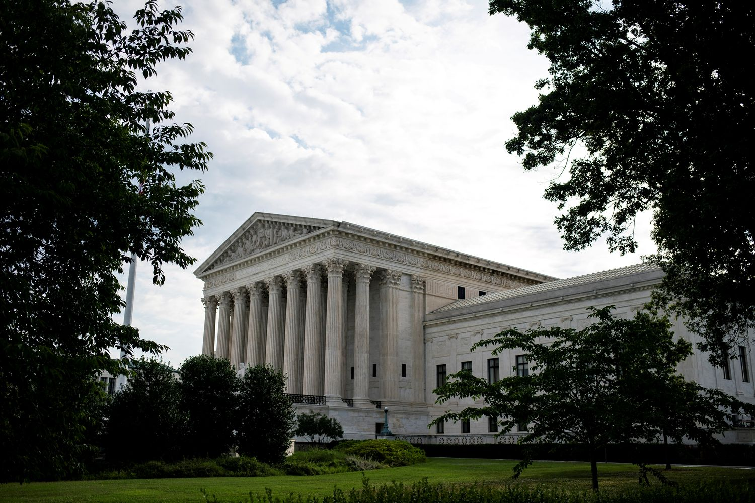 Supreme Court strikes down restrictive abortion law; Roberts concurrence provides fifth vote