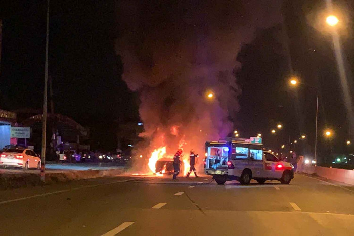Pickup hits motorbike, both go up in flames