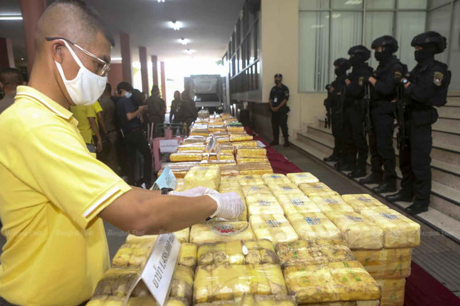 Drugs are put on display at the Narcotic Suppression Bureau in Bangkok on Tuesday after they were seized from suspects during the long weekend. (Photo: Pattarapong Chatpattarasill)