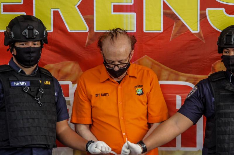 Frenchman held in Indonesia for alleged child molestation kills himself