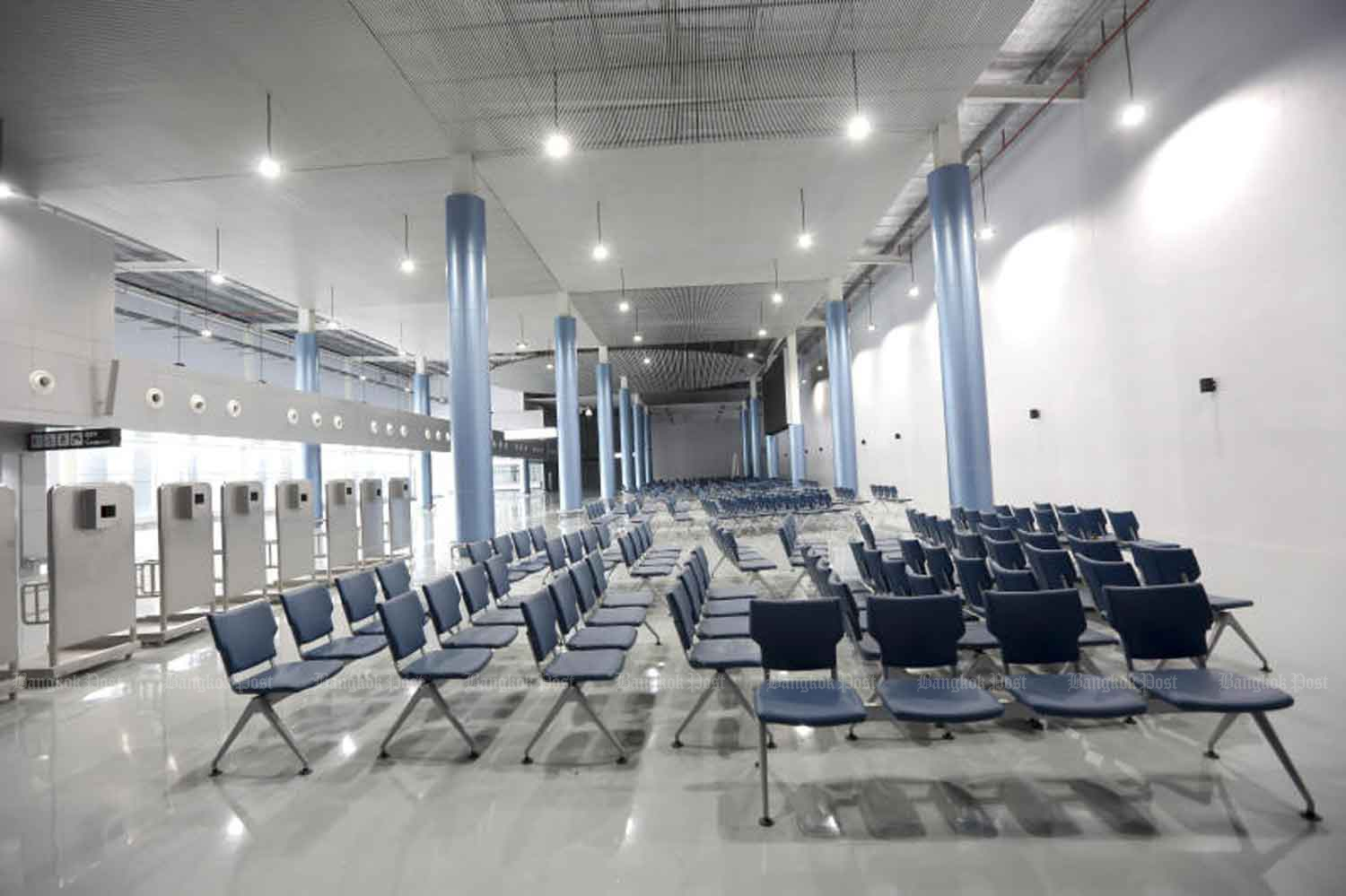 The new 3,000-square-metre terminal building at Don Mueang airport, built to serve tour groups. The government on Wednesday approved in principle the entry of specific categories of foreigners to revitalise the economy. (Photo: Pattarapong Chatpatarasill)