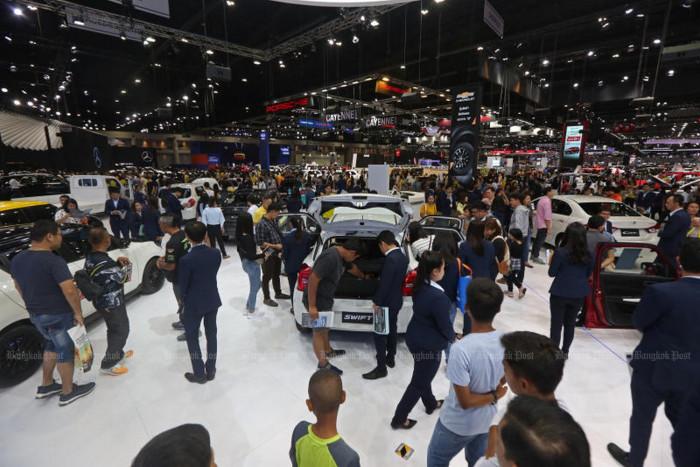 Slump in local car sales continues