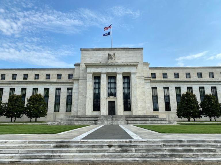 Fed extends lending programs as pandemic's impact lengthens