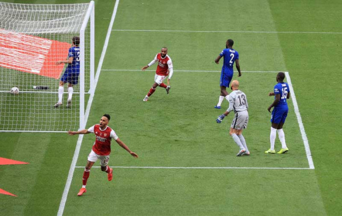 Aubameyang double helps Arsenal beat Chelsea for FA Cup trophy