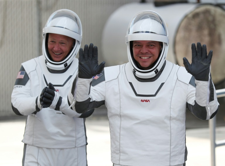 Bob Behnken (r) and Doug Hurley (l) blasted off from Cape Canaveral on May 30 on board a SpaceX Crew Dragon, and are supposed to splash down off the coast of Florida on August 2, 2020