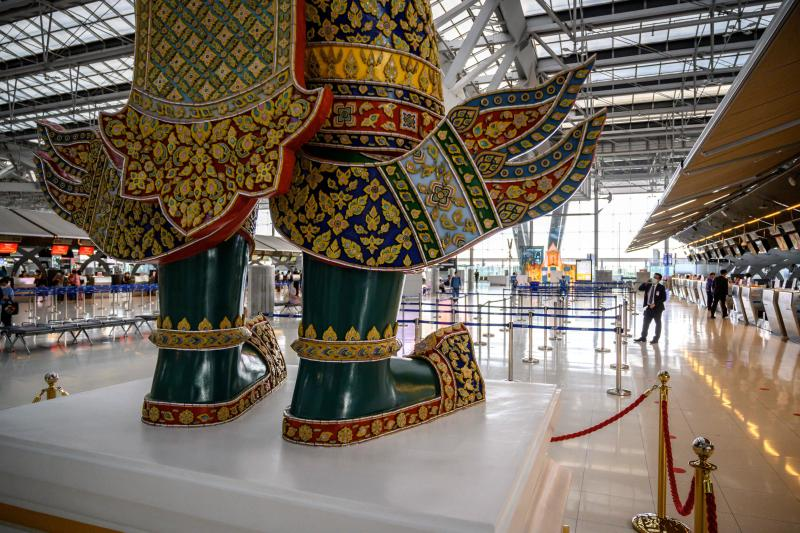 A view of the almost empty departure hall of Suvarnabhumi Airport in Bangkok on Aug 1, 2020, as passenger numbers plummeted due to the Covid-19 coronavirus. (AFP photo)