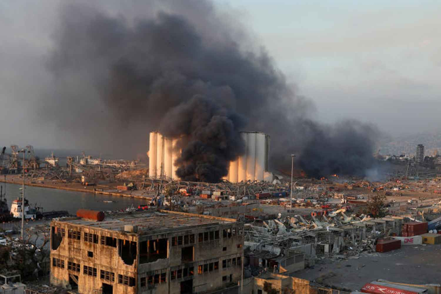 Smoke rises from the site of an explosion in Beirut's port area, Lebanon August 4, 2020. (Reuters photo)