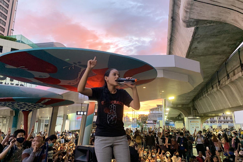 Anti-government protestors, bangkok, thailand