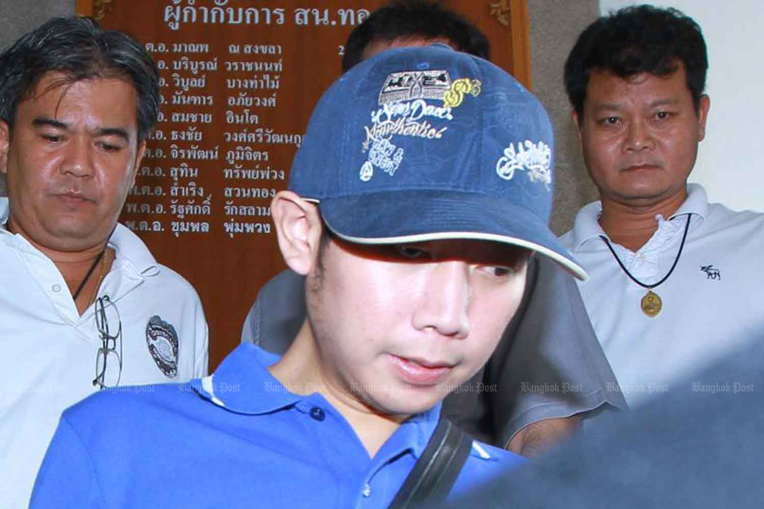 Vorayuth Yoovidhya is with police after his hit-and-run crash in Bangkok on Sept 3, 2012. (Photo: Somchai Poomlard)