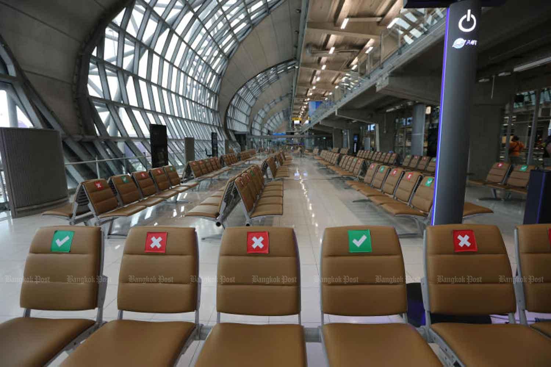 Empty seats at Suvarnabhumi airport in Samut Prakan province last month. (Photo by Wichan Charoenkiatpakul)