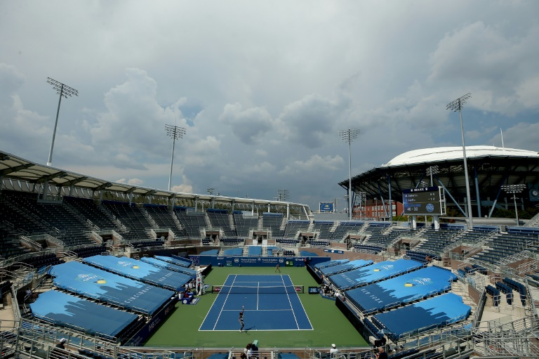 Murray, Azarenka win first up at Western & Southern Open