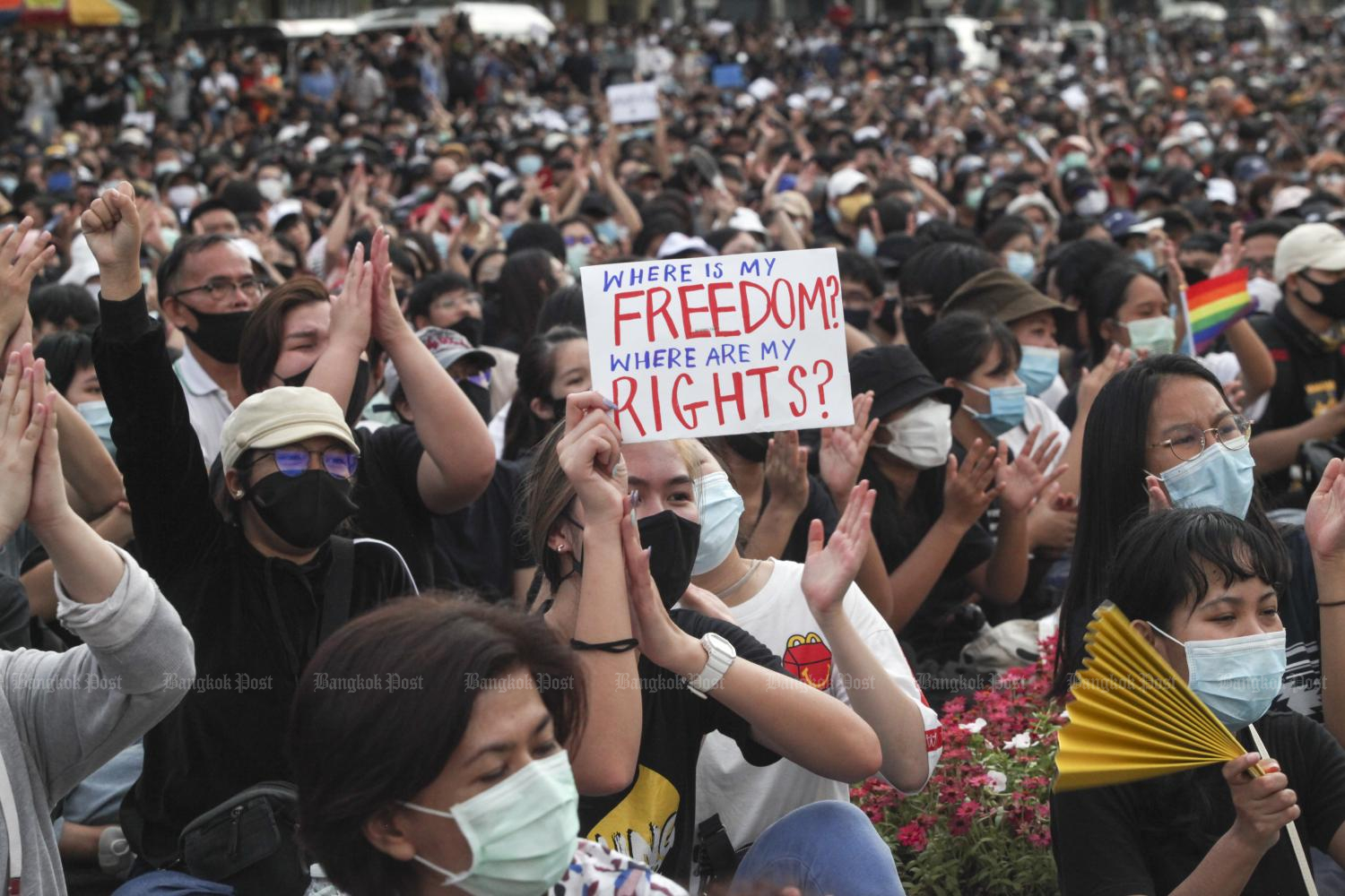 Expats lend support to protesters