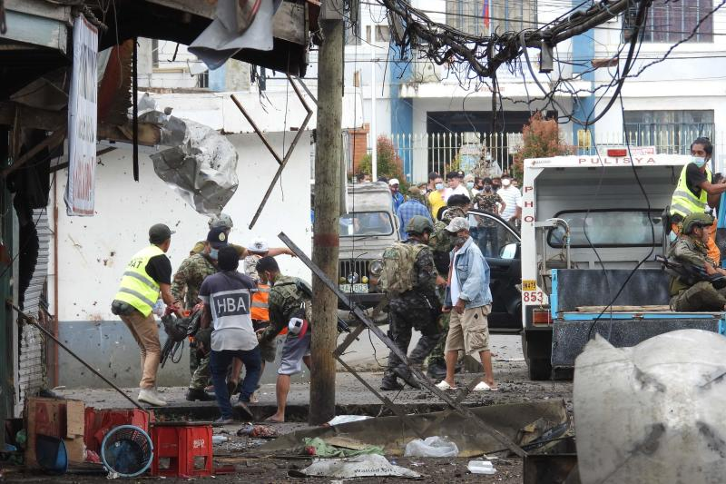 At least 5 killed in twin explosions in southern Philippines