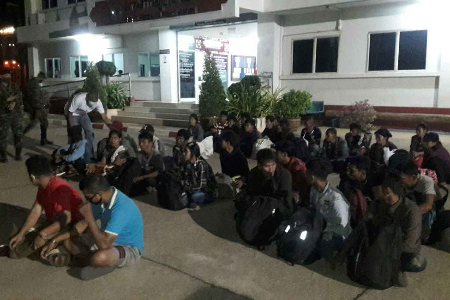 Officials arrest 37 illegal Myanmar migrants in Sai Yok district of Kanchanaburi early on Friday. (Photo: Piyarat Chongcharoen)