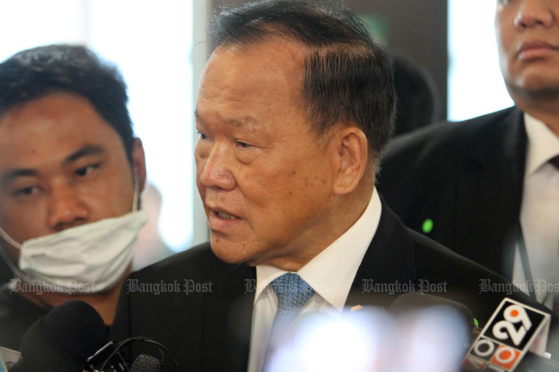 Deputy Finance Minister Santi Prompat denies a rift with former finance minister Predee Daochai, and claims his experience at the Finance Ministry qualifies him to take over the prime portfolio. (Bangkok Post file photo)