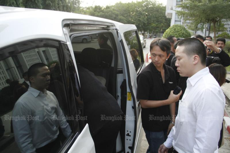Janepob Veeraporn leaves the Ayutthaya Provincial Court on Nov 28, 2016 after giving testimony on a reckless driving case that killed two people. (Bangkok Post photo)