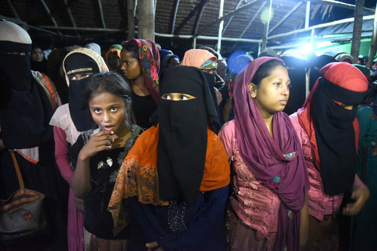 Two Myanmar soldiers confess to Rohingya Massacre, check out video
