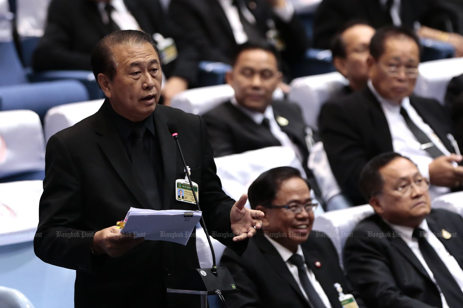 Senator Seri Suwannapanont speaks during a joint sitting to vote on the prime minister on June 5 last year. Every single one of the 250 junta-appointed senators, except their president who abstained by custom, voted for Gen Prayut Chan-o-cha on that day. (Bangkok Post file photo)