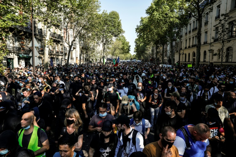 Government estimates said around 8,500 people turned out around France, 2,500 of them in Paris.