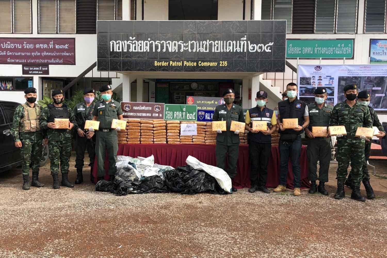 450 kilogrammes of dried marijuana seized in Nakhon Phanom on Tuesday night is put on display at the Border Patrol Police Company 235 headquarters. (Photo by Pattanapong Sripiachai)