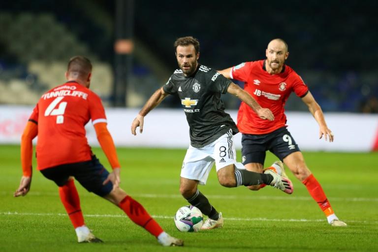 West Ham boss Moyes, 2 players test positive for coronavirus