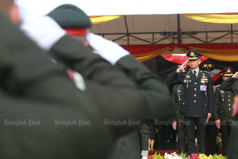 Outgoing army chief Gen Apirat Kongsompong attends a farewell ceremony at the Royal Thai Army headquarters on Wednesday. (Photo by Somchai Poomlard)
