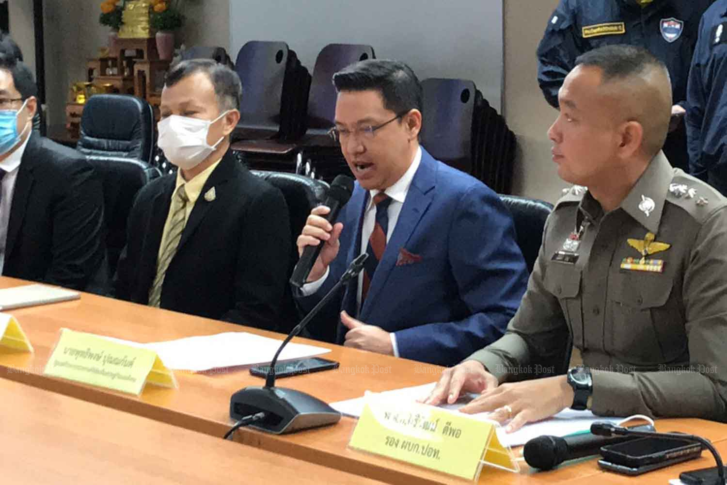 Buddhipongse Punnakanta, minister of digital economy and society, elaborates on his complaint about illegal posts on social media, at the Technology Crime Suppression Division in Bangkok on Thursday. (Photo: Wassayos Ngamkham)