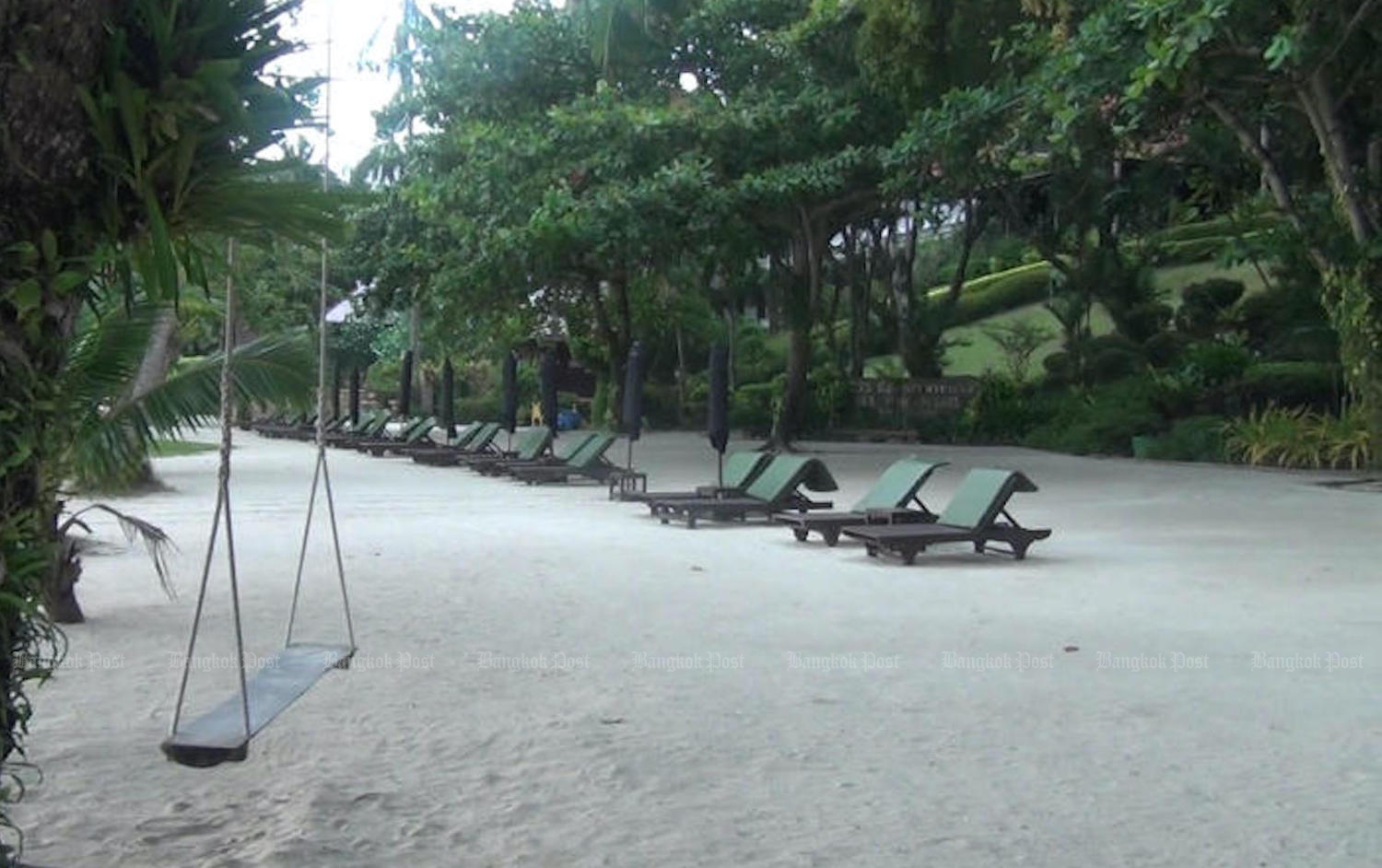 "Sea View Resort on Koh Chang has a high proportion of ""excellent"" ratings on Tripadvisor, but several contentious posts by a guest who left a bad review earlier have angered the owners. (Post File Photo)"