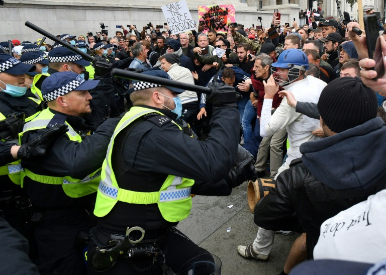 Skirmishes broke out at Trafalgar Square as police moved in with batons.