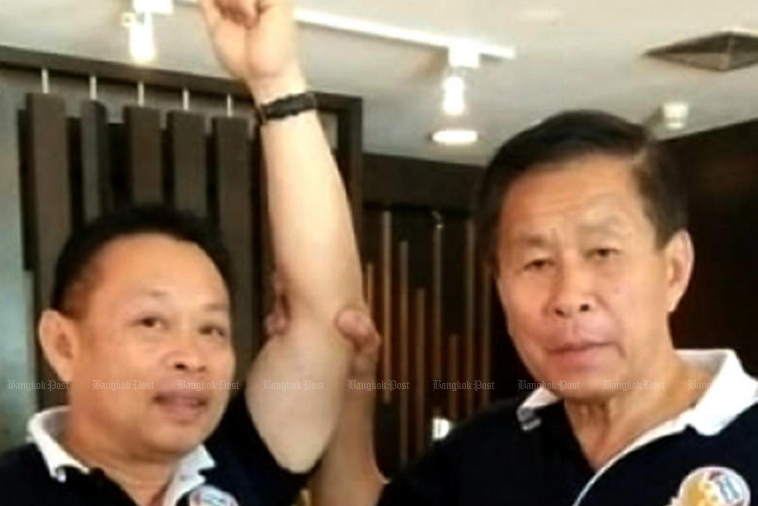 Suban Mahachanon, left, a party-list candidate, with Seri Ruam Thai Party leader Sereepisuth Temeeyaves in June 2019. (File photo from Suban Mahachanon Facebook page)