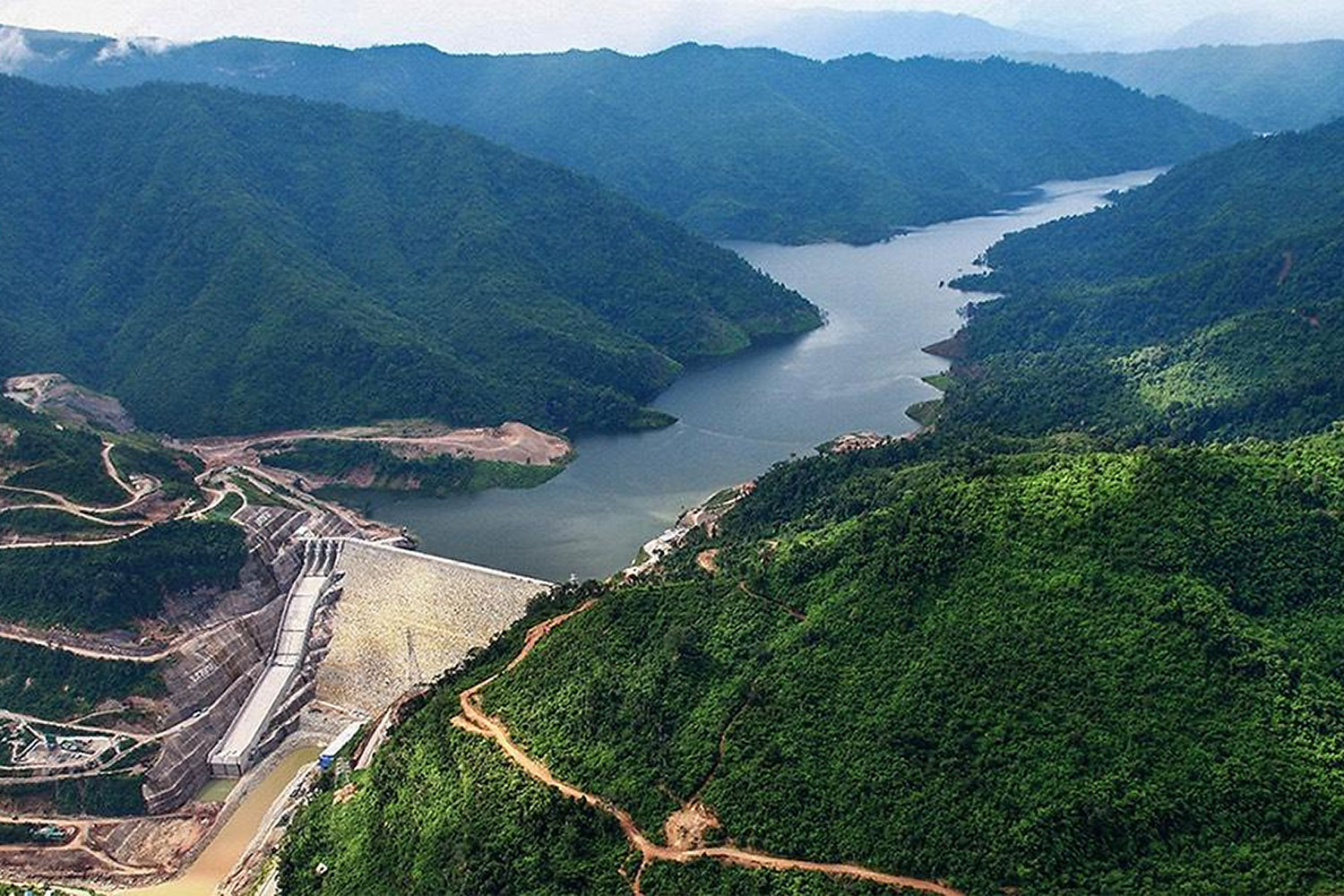 The Nam Ngum 2 hydroelectric plant has installed capacity of 615 megawatts.