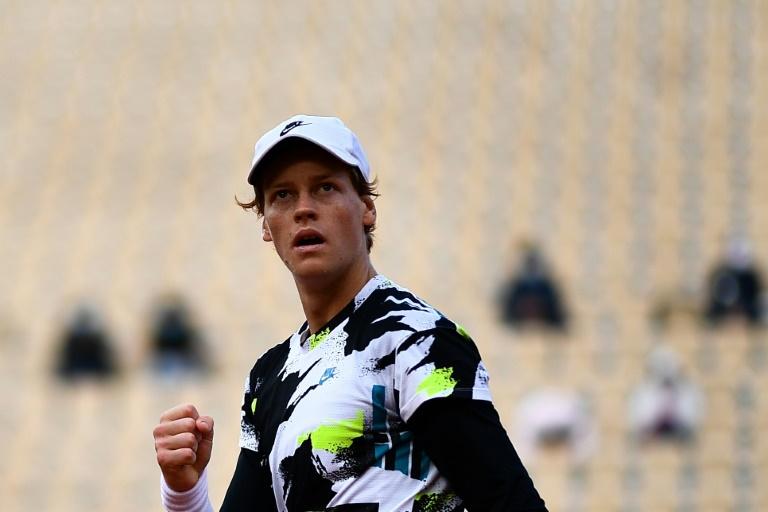 Qualifier Podoroska shocks third seed Svitolina to make French Open semis