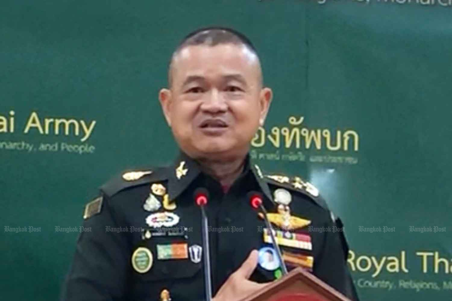 Army chief Gen Narongphan Jitkaewtae has his first press conference after assuming his position, at the army headquarters in Bangkok on Tuesday. (Photo: Wassana Nanuam)