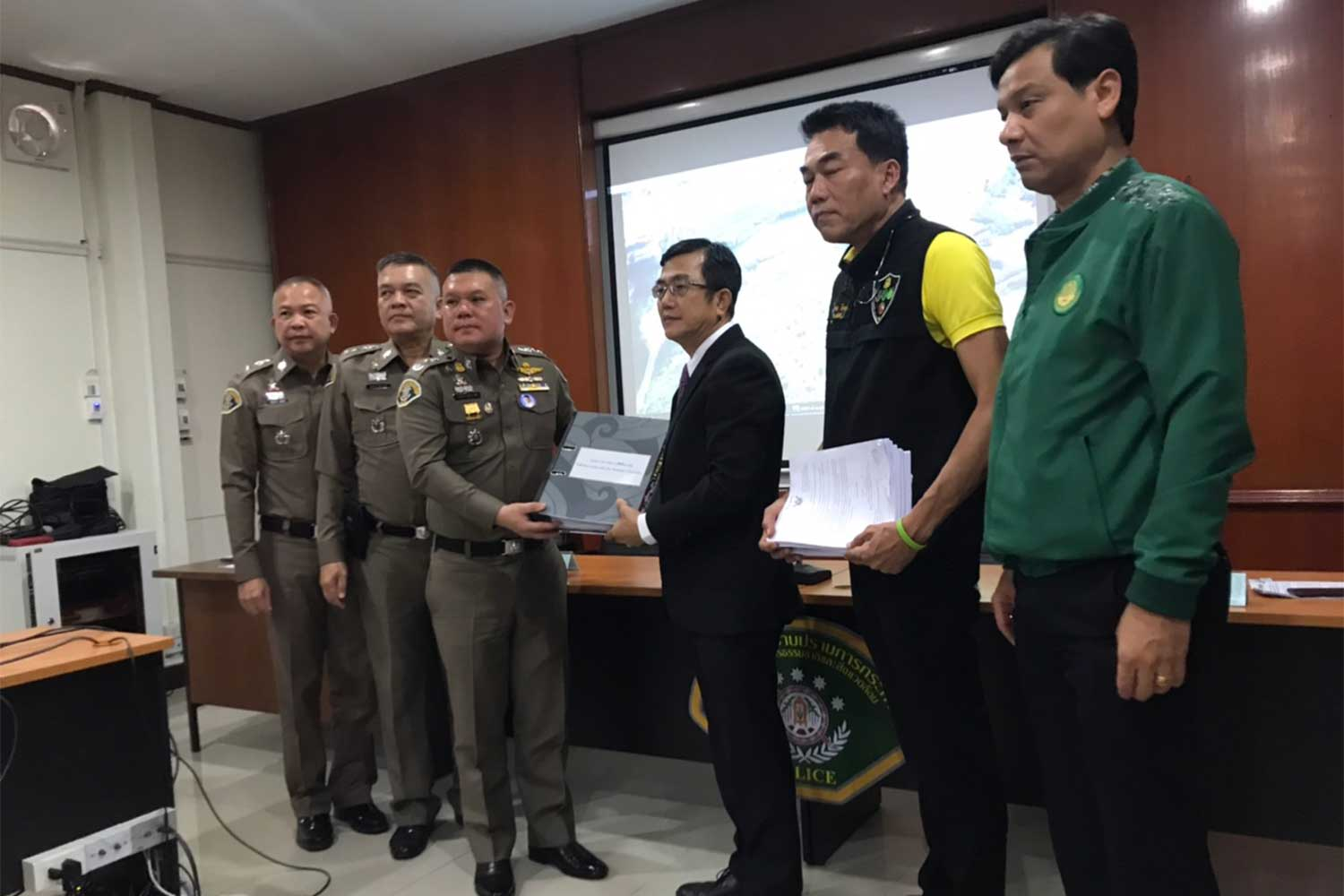 Royal Forest Department chief Adisorn Noochdumrong asks police to take action against Akara Resources Plc for alleged encroachment of forest and public land covering 73 rai of land in Phichit and Phetchabun provinces. (Supplied photo via Wassayos Ngamkham)