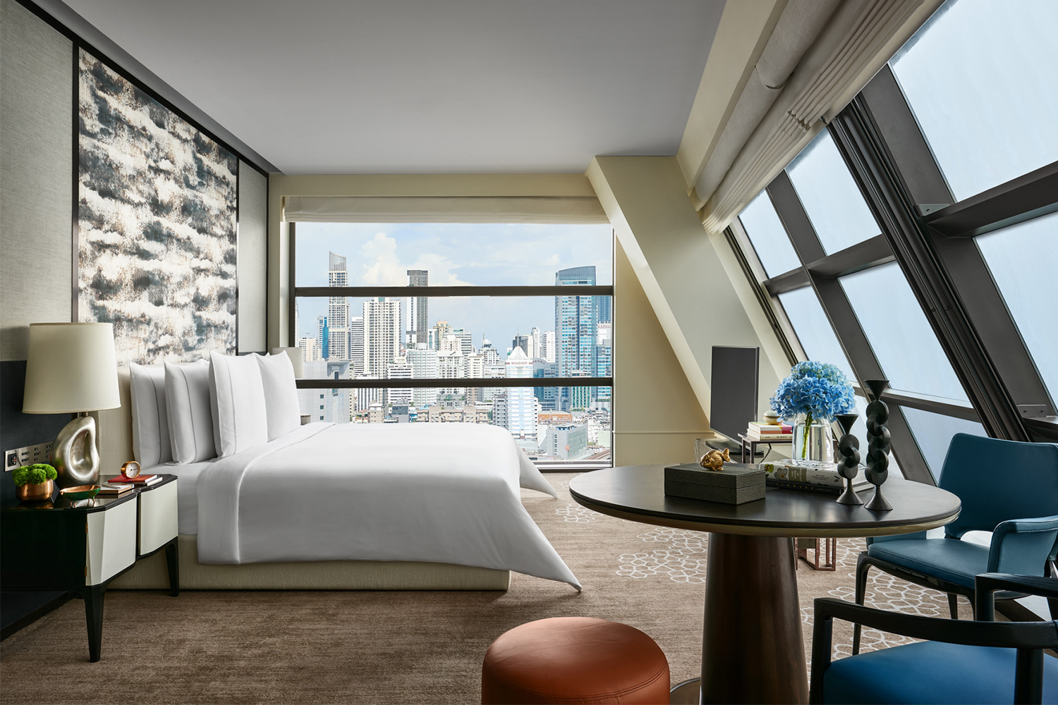 ROSEWOOD BANGKOK UNVEILS NEW STUDIOS, SIGNATURE SUITES  AND LUXURY, RESIDENTIAL-STYLE HOTEL HOUSES