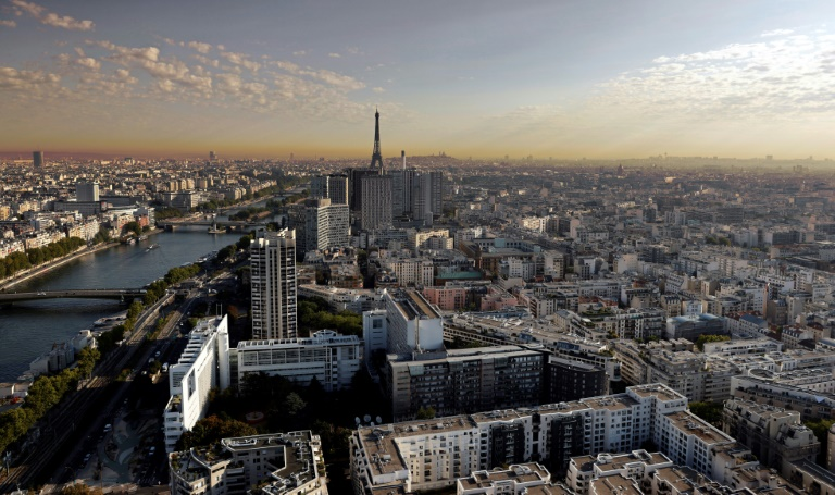 Air pollution costs Europe cities $190bn a year: analysis