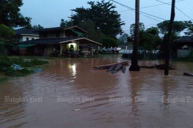 Man drowns in Surat Thani flash flood