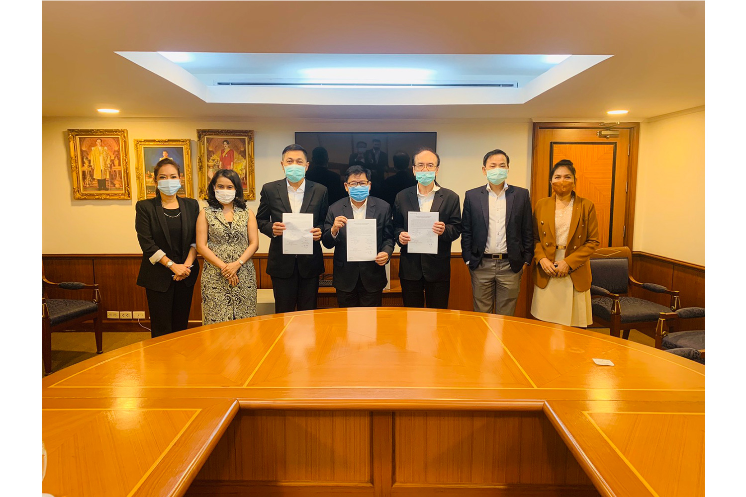 Dr. Boon Vanasin, Chairman, Thonburi Healthcare Group Public Company Limited (THG), signed a cooperation agreement