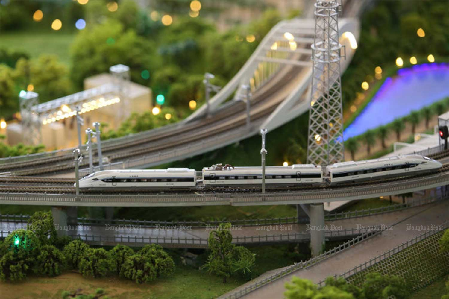 A model of the Thai-Chinese high-speed railway's first section between Bangkok and Nakhon Ratchasima is on display in December 2017. (File photo)