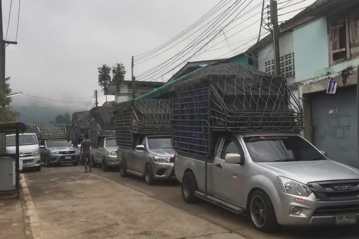 One-day reopening boosts border trade