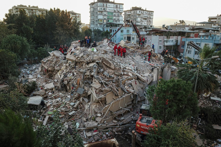 Rescuers race to find Turkey quake survivors, 27 dead