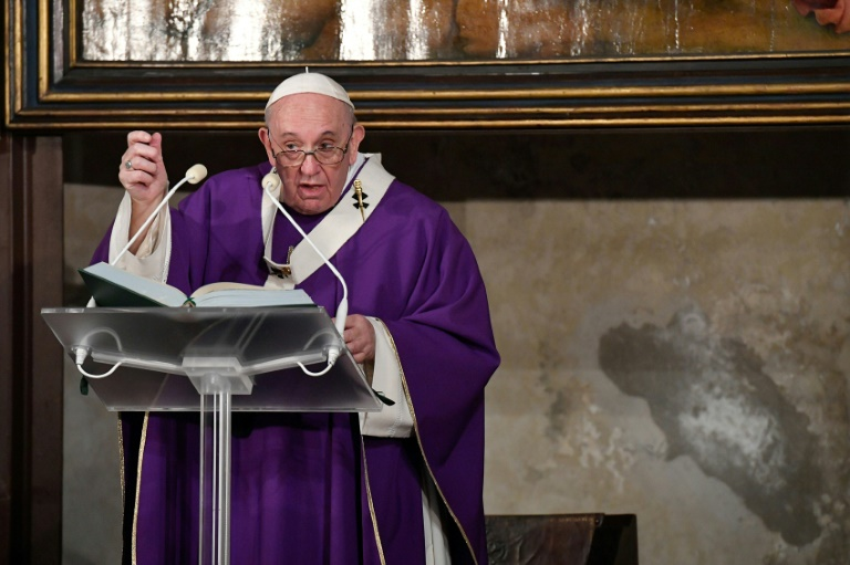 Vatican clarifies pope's comments on homosexual unions