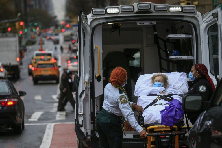 New York is racing to cut off a second wave of coronavirus infections. (AFP Photo)