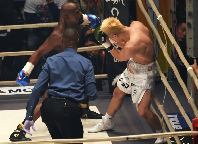 Floyd Mayweather's last bout was a widely ridiculed fight against Japanese kickboxer Tenshin Nasukawa, which he won inside one round
