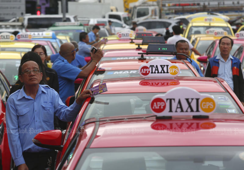 Happy taxi drivers (File photo)