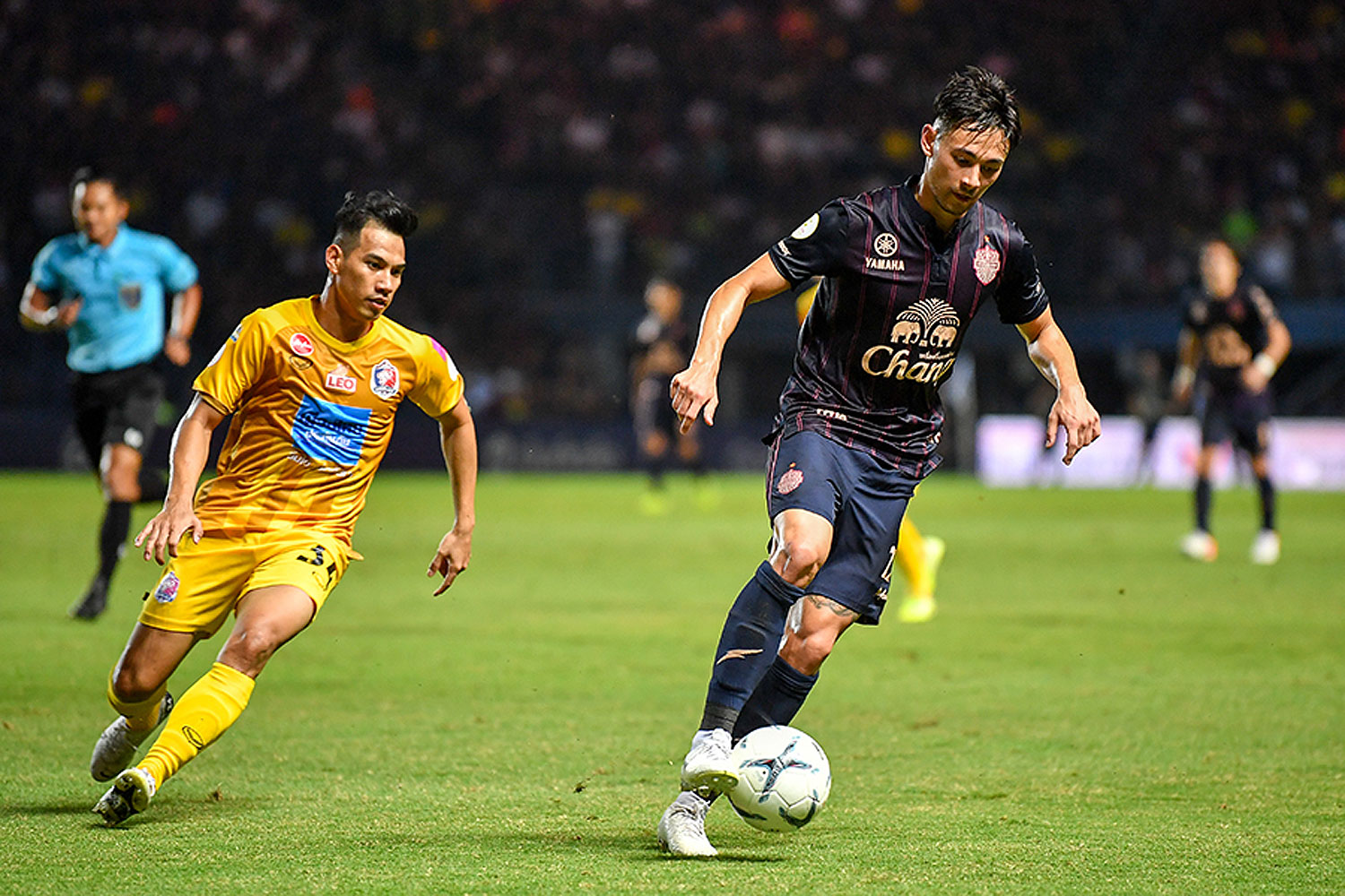 Easy pickings for Buriram, Muang Thong held at home