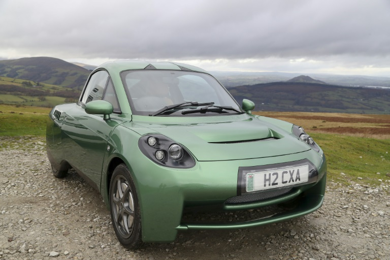 The makers of the Rasa hydrogen-powered car believe it has an advantage over electric batteries because of its much greater range