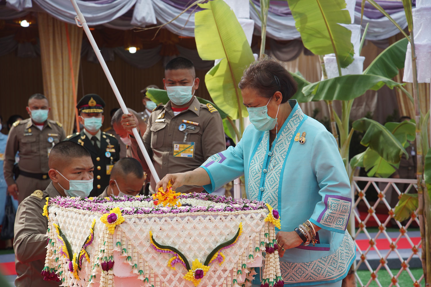 His Majesty laid the foundation stone of the training building of the Institute of Nuclear Technology of Thailand. (Public Organization) at the head office of Nakhon Nayok Province