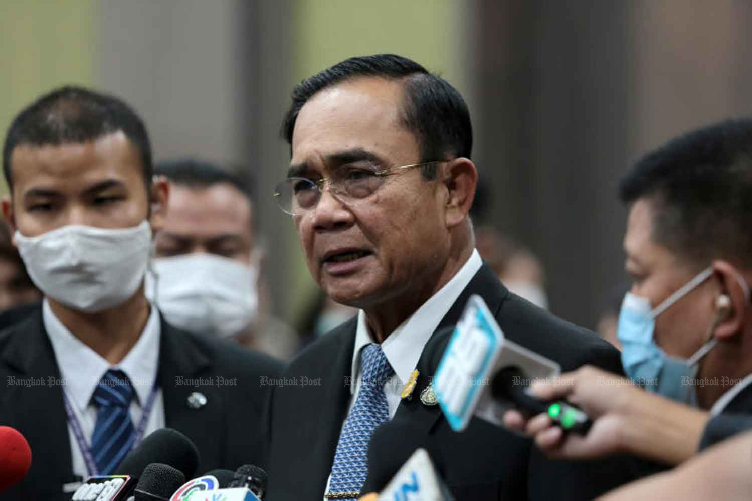 Prime Minister Prayut Chan-o-cha speaks to reporters in Nonthaburi province on Saturday. (Photo: Chanat Katanyu)
