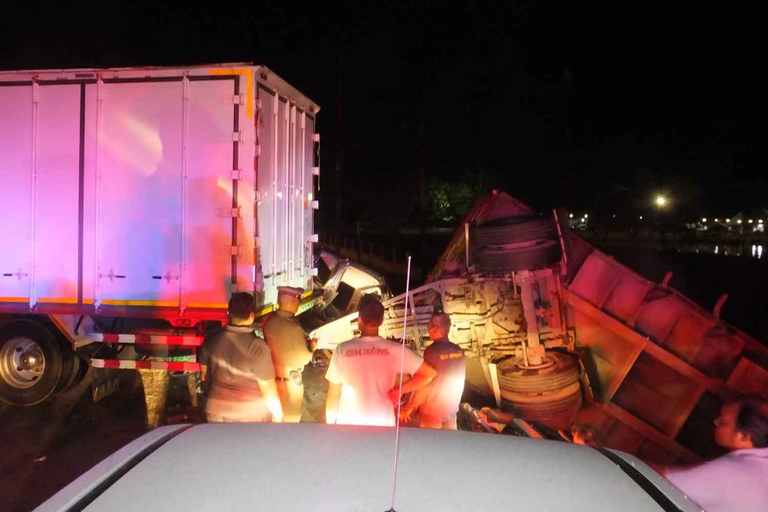 Swerving trailer truck, pickup collide, 1 killed